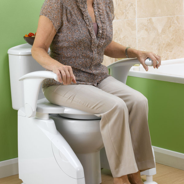 Admirable Solo Toilet Lift Evergreenethics Interior Chair Design Evergreenethicsorg